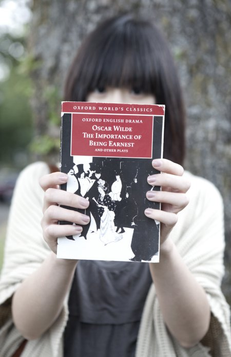 Oscar Wilde 奧斯卡 王爾德 - the importance of being earnest