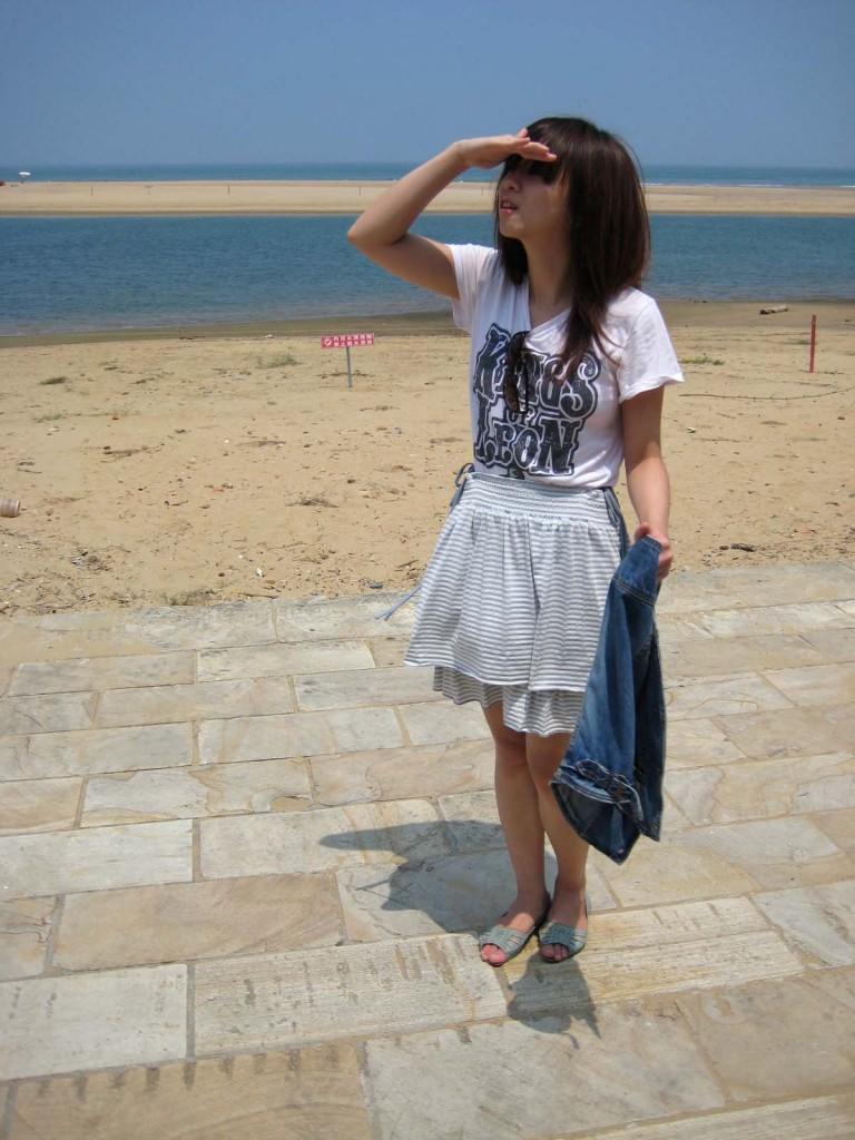kings of leon t-shirt, 上衣, lowrys farm 裙子, lowrys farm, 短裙